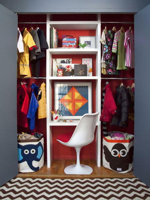 escritorio dentro del armario