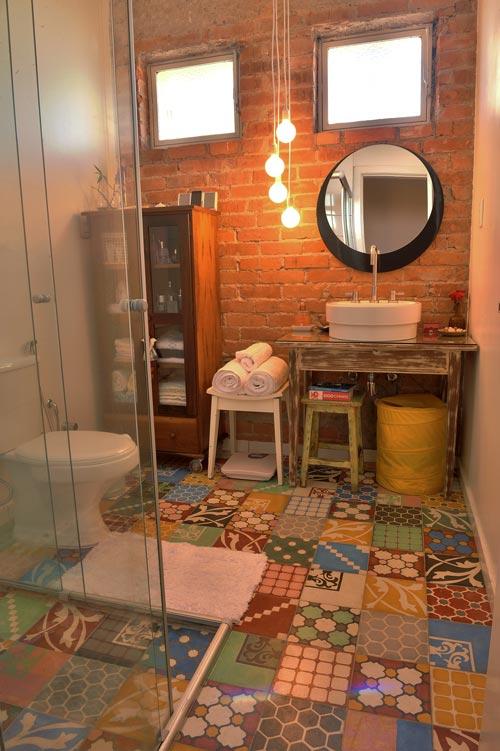 lavabo decoracao barata:Azulejos hidráulicos en el baño