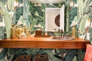 Decoración tropical también en el baño