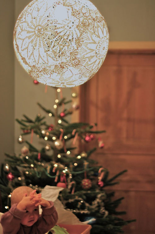 Reciclar tapetes de crochet: lámpara DIY