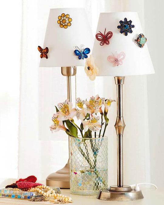 Decoracion De Baño Manualidades: de bisutería para engalanar tus lámparas de mesa y ponerlas así de