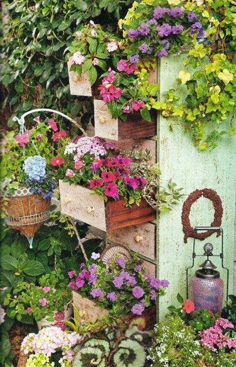 Reciclando en el jardin