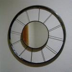 Fabricar un espejo con una rueda de bicicleta