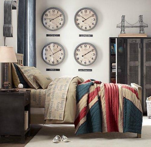Decorar paredes con relojes