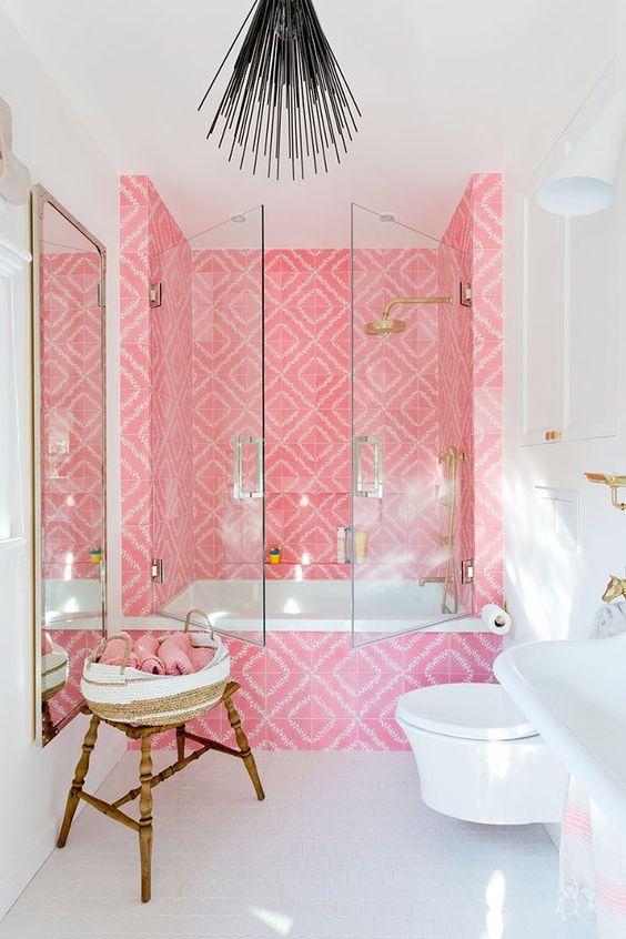 Baños de color rosa