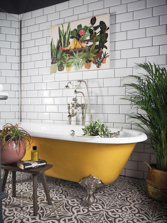 Baño amarillo mostaza