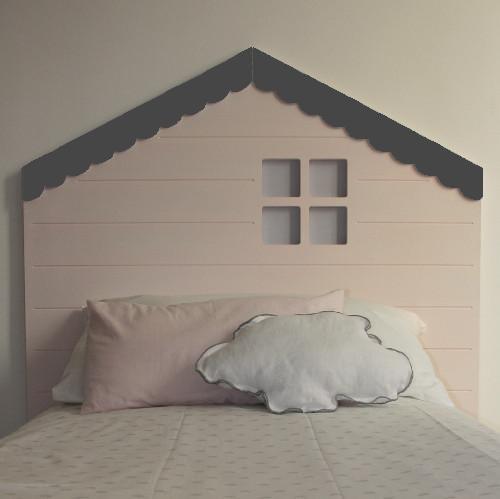 Cabeceros con forma de casita para la habitación infantil