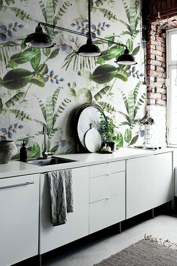 Añade a tu cocina un toque personal con papel pintado
