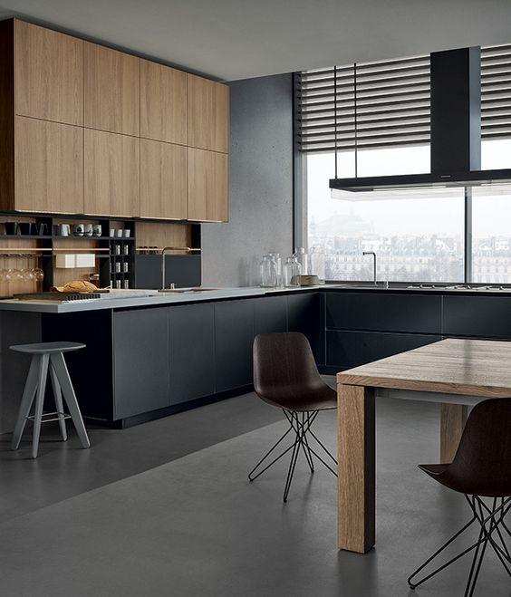 Cocina negra y madera