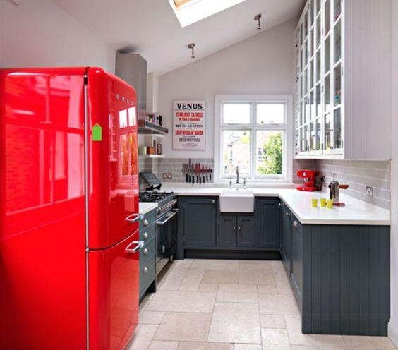 Cocina negra y roja