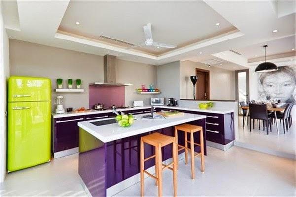 Cocinas Ultra Violete Pantone 2018