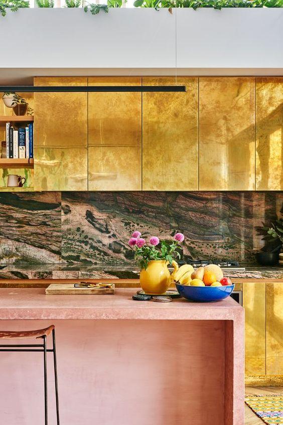 Tendencia cocinas doradas