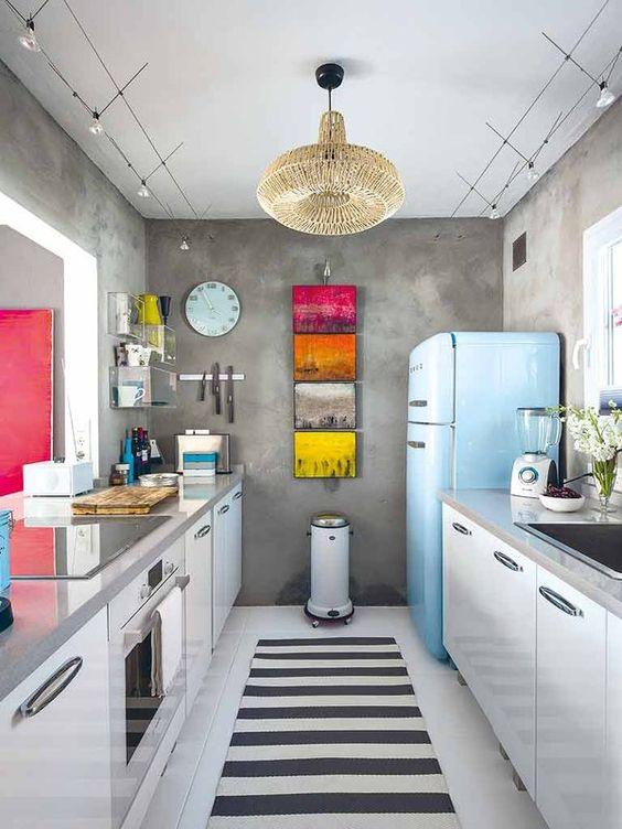 Cocinas estrechas ideas for Cocina larga y angosta