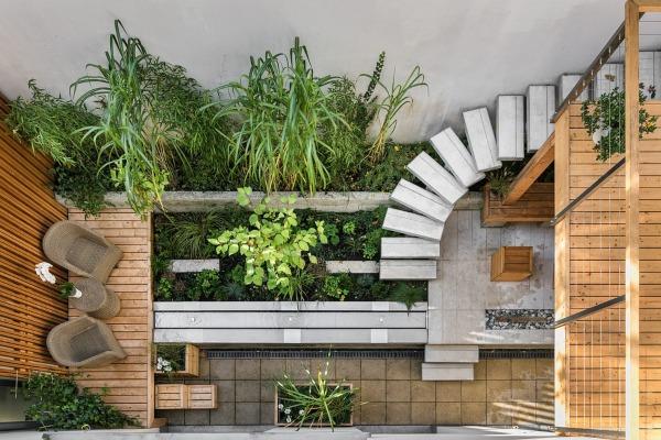 ¿Cómo decorar un patio pequeño? Especial atención a su iluminación