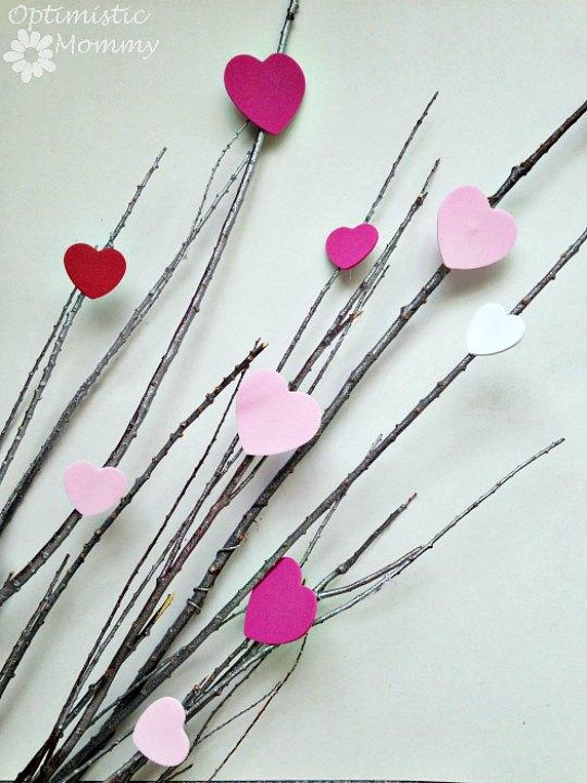 Manualidades San Valentín con una rama