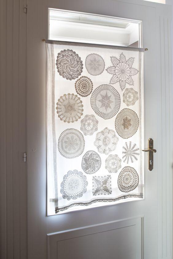 Vestir las ventanas con tapetes