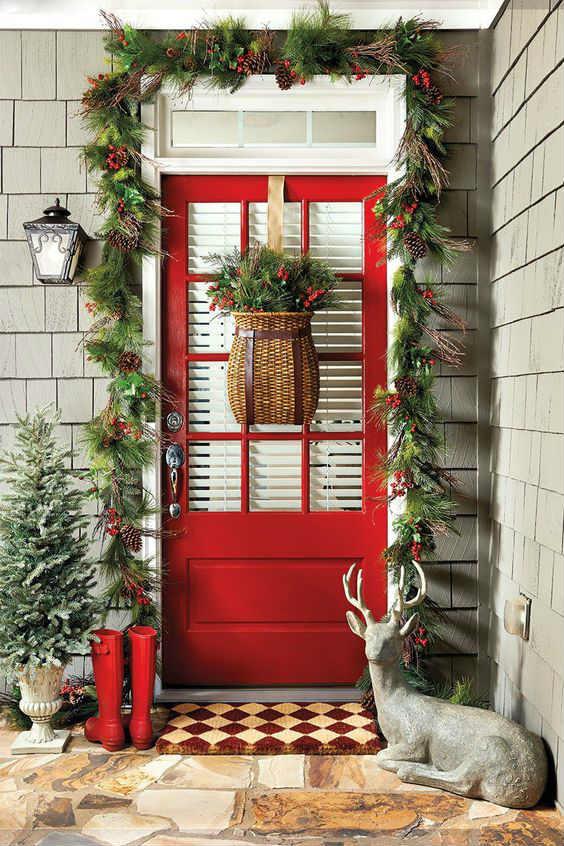 Inspiraci n para decorar puertas de navidad 20 fotos for Decoracion en puertas de navidad