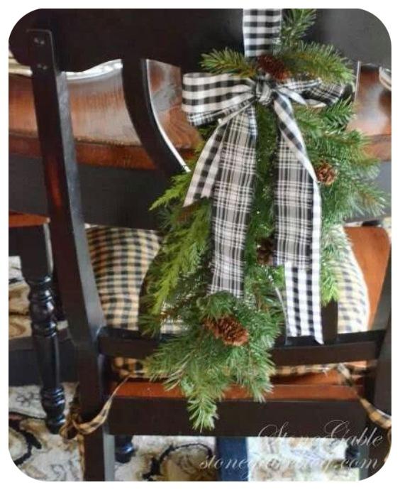 Decoración sillas comedor en Navidad