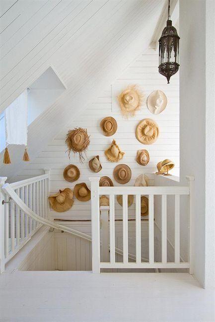Como verás puedes decorar paredes con sombreros en todas las estancias de tu  vivienda. Fotos  pinterest 06caa837313
