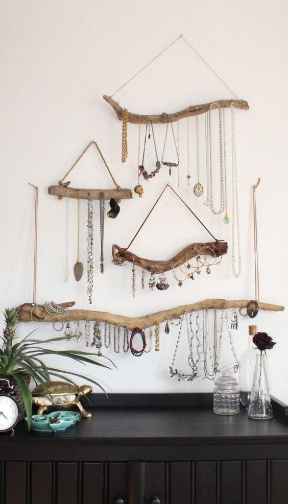 Organiza tus accesorios sobre la cómoda