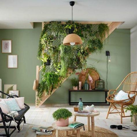 Cómo decorar escaleras con plantas