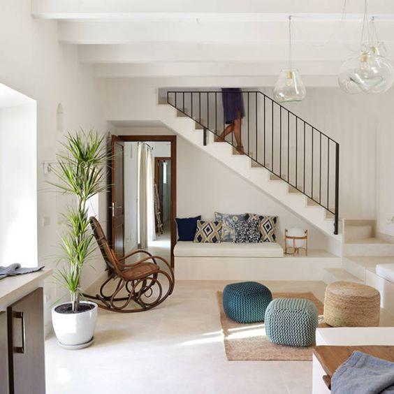 Que poner bajo las escaleras for Huecos de escaleras modernos