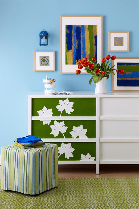 Decorar muebles con plantillas