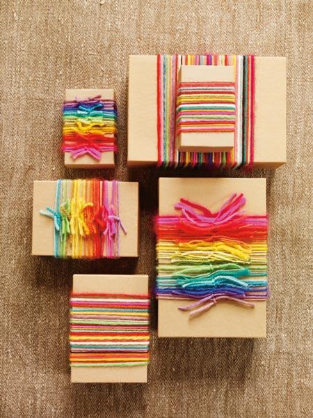 Decorar los regalos con lana