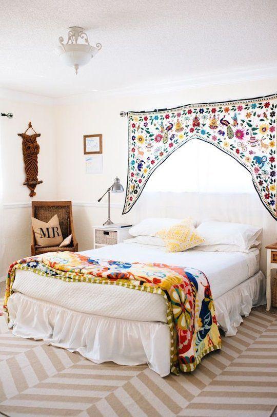 Dormitorios blancos con un toque de color