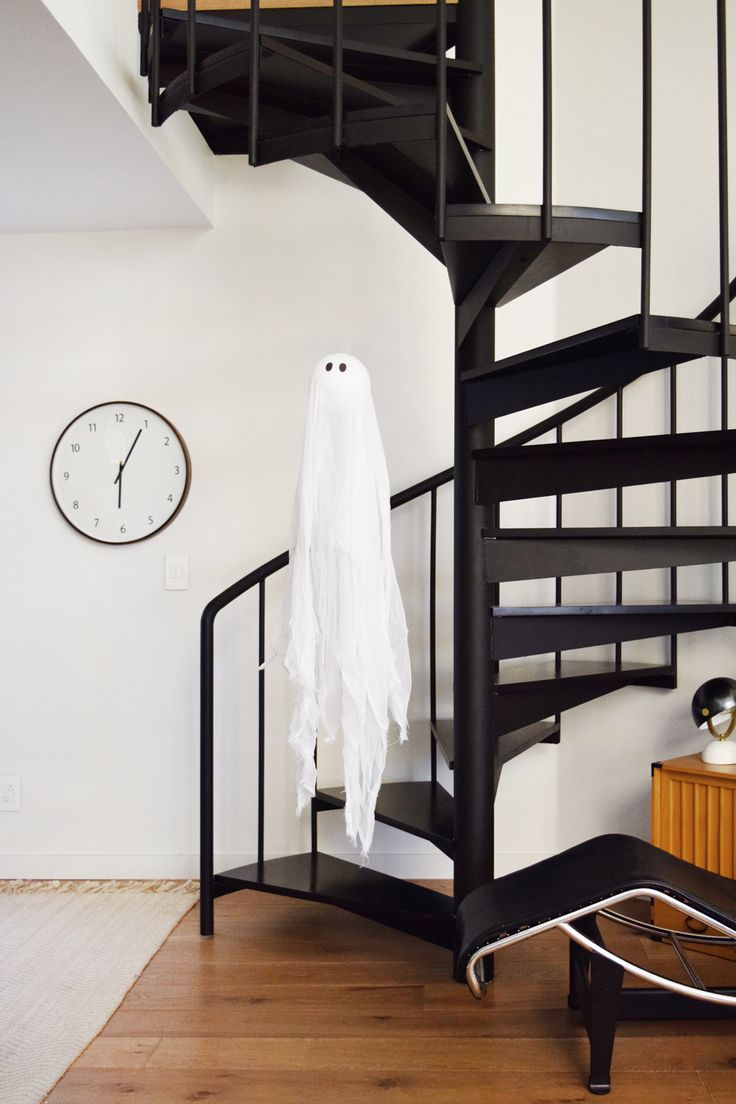 Decoración escaleras Halloween fantasma