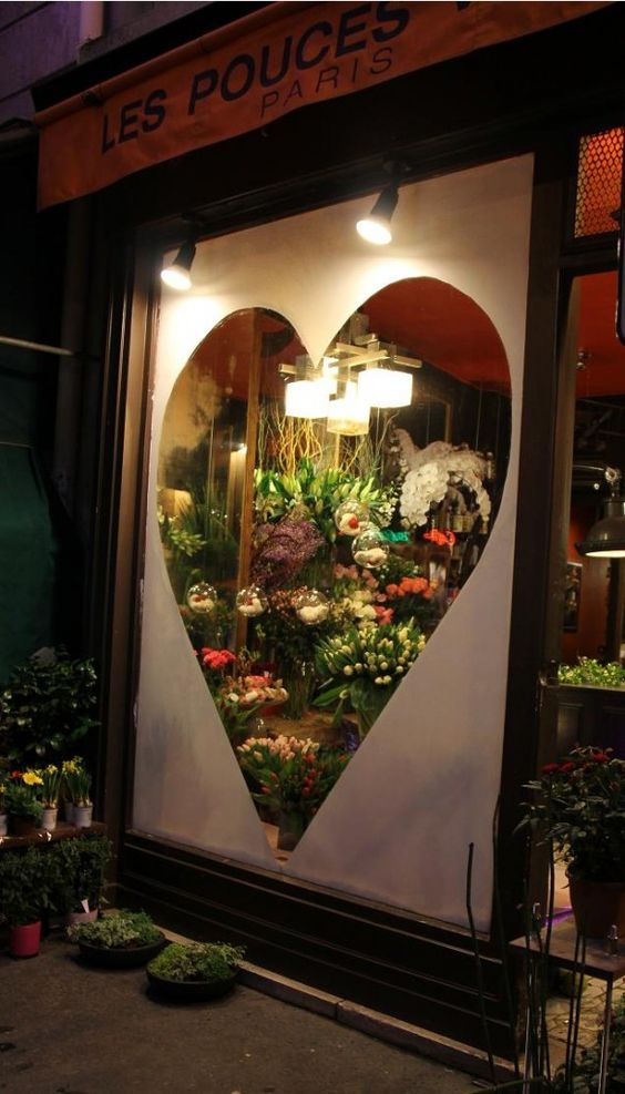 Escaparate floristería san valentín