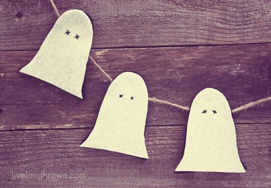 Guirnalda de fieltro para Halloween