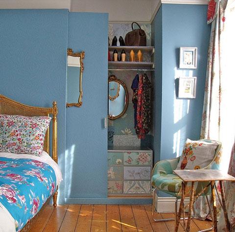 Te contamos cómo ocultar el armario del dormitorio