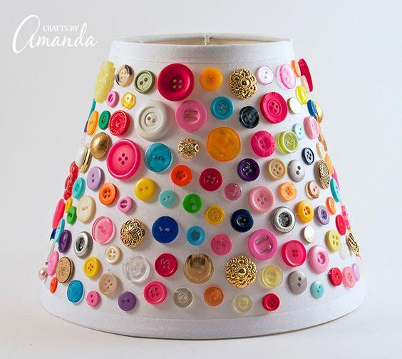 Lámparas decoradas con botones