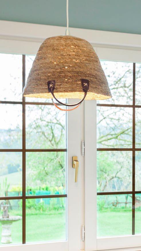 Lámpara con capazo de mimbre DIY