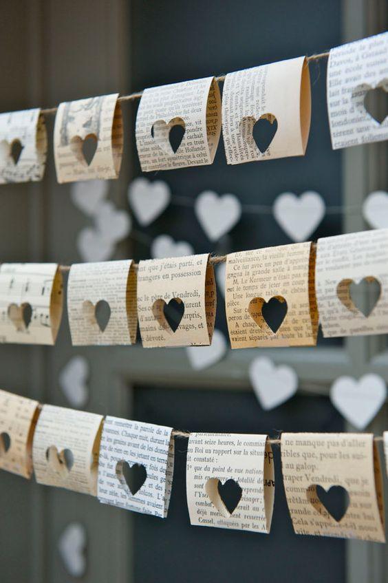 Manualidades con papel de periódico para San Valentín