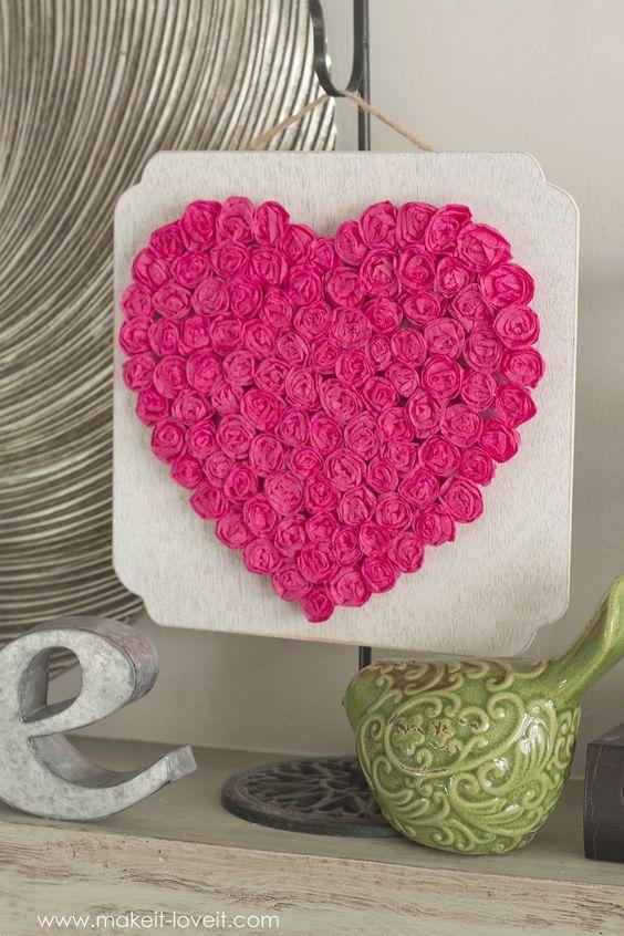 Manualidades de papel crepé para San Valentín