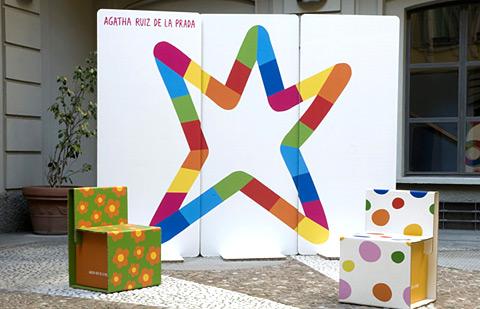 Muebles de cartón de Agatha Ruiz de la Prada