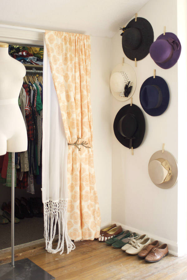 Cómo colgar sombreros en la pared