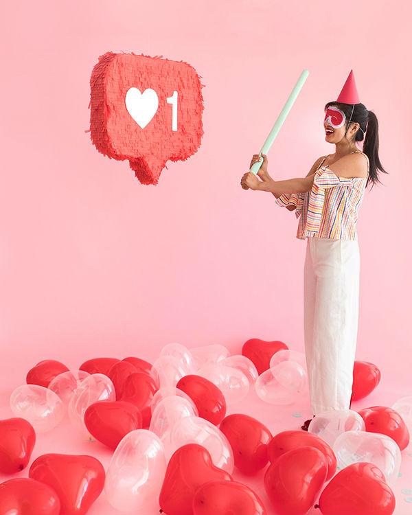 Manualidades de papel para San Valentín: piñatas