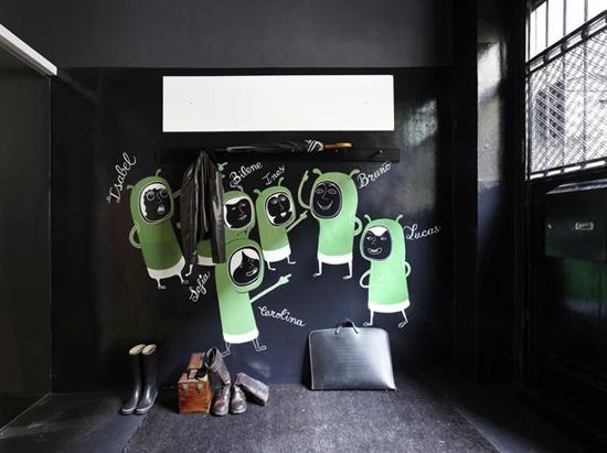 Original forma de decorar las paredes del recibidor