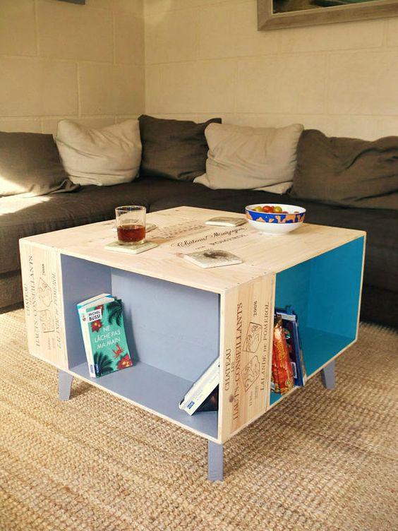 Muebles con cajas de vino