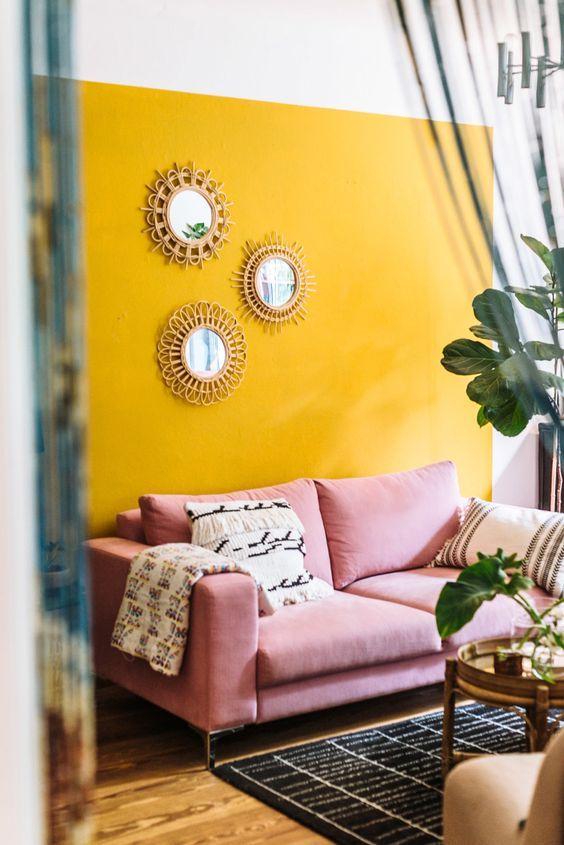 Salón amarillo mostaza