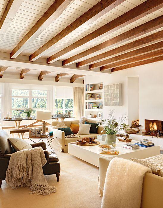 Salón decorado en madera