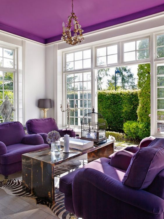 Salones Ultra Violet Pantone 2018
