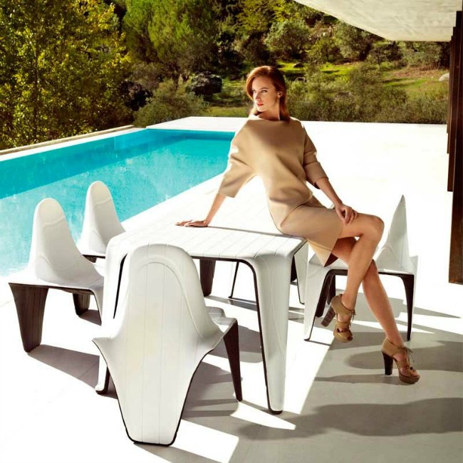 silla-y-mesa-de-jardin