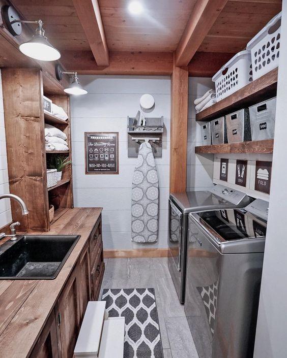 Zona de lavado y plancha en el sótano