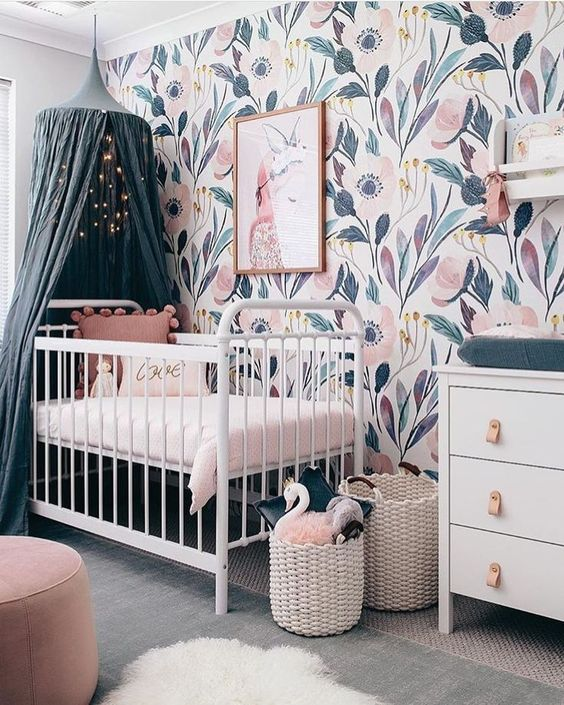 Decoración habitación bebé 2019: cunas con dosel