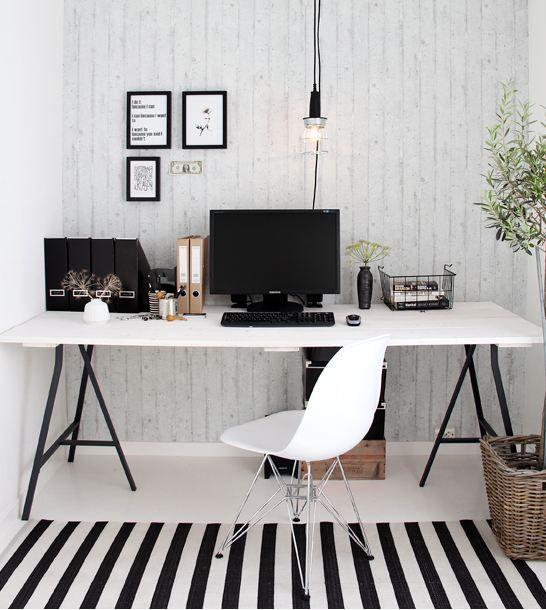 Rincones de trabajo en blanco y negro